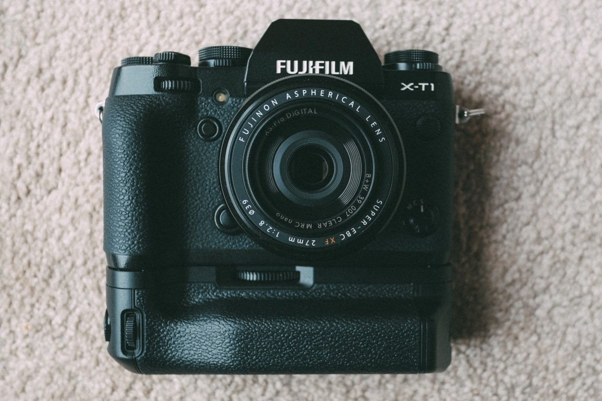 Fujifilm XT1 with battery grip and lens
